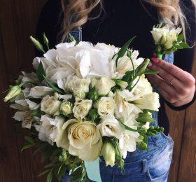 Букет невесты с гидрангией