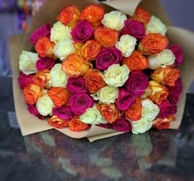 Букет из 39 роз в оформлении
