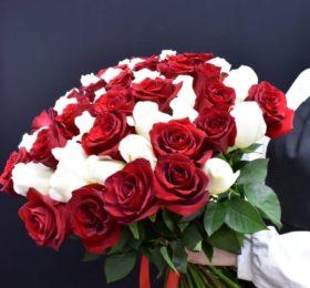 Букет  35 роз на ленте