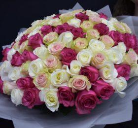 Букет 101 Роза в оформлении