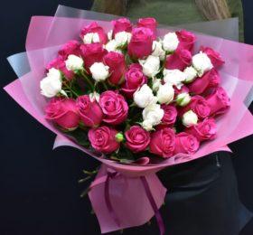 Букет кустовых и одноголовых Роз